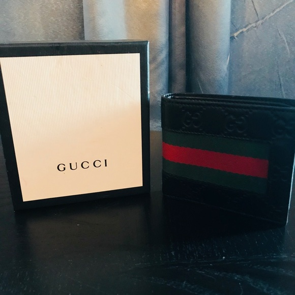 b848e5a90efc Gucci Handbags - Authentic Gucci GG Wallet SERIAL # 408827 0959